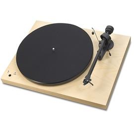 Pro-Ject Debut III RecordMaster - record player incl. tonearm + Ortofon MM cartridge OM10 (maple veneer / incl. MM phono preamplifier / incl. dust cover)