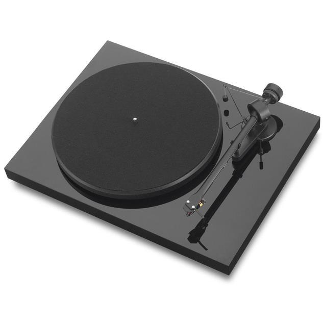 "Pro-Ject Debut III - record player with Ortofon OM 5E cartridge (Piano black / incl. straight 8,6"" tonearm)"