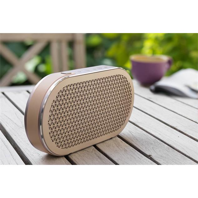 """DALI Katch - battery powered Bluetooth loudspeaker (in """"Cloud Gray"""" = beige / 2x 25 W / 2600 mAh internal battery with ca. 24 hours of untethered playback / Bluetooth 4.0 aptX)"""